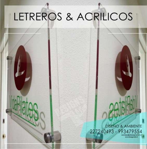 Letreros acrílicos vidrios autoadhesivos