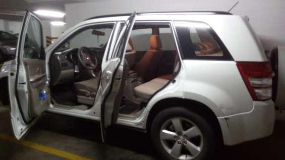 Vendo jeep suzuky grand nomade 2.4, año 2012