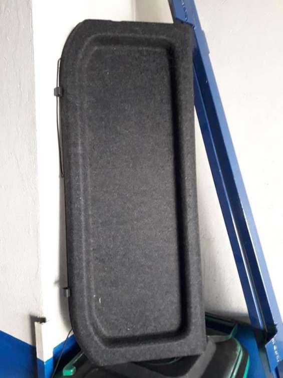 Cubre maleta suzuki sx4 esta impecable