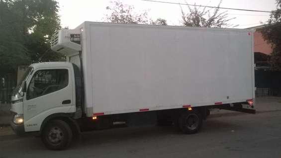 Vendo camión hino con frio