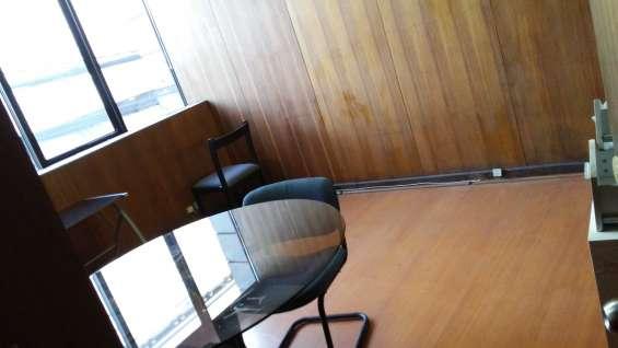 Oficina cerca del metro salvador