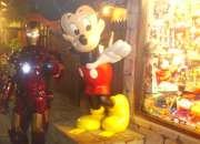 Figura gigante mickey