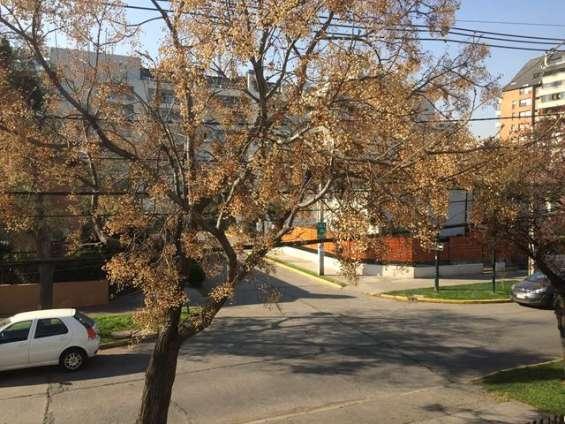 Se vende casa en cervantes / av. holanda, ñuñoa