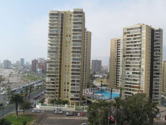 Vendo lindo depto condominio las antillas, iqq