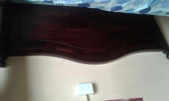 Vendo respaldo de madera de cama 2 plazas en $15.000