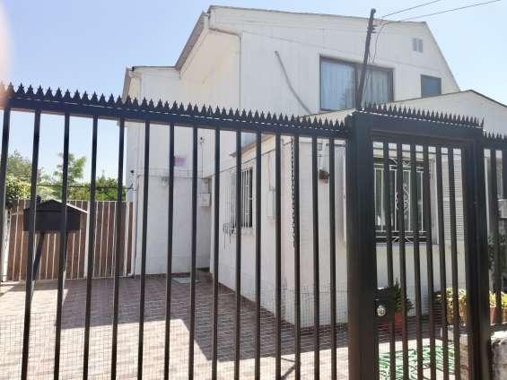 Espectacular casa de 2 pisos, en sector residencial, san joaquin