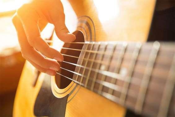 Clases de guitarra para niños jóvenes y adultos a domicilio