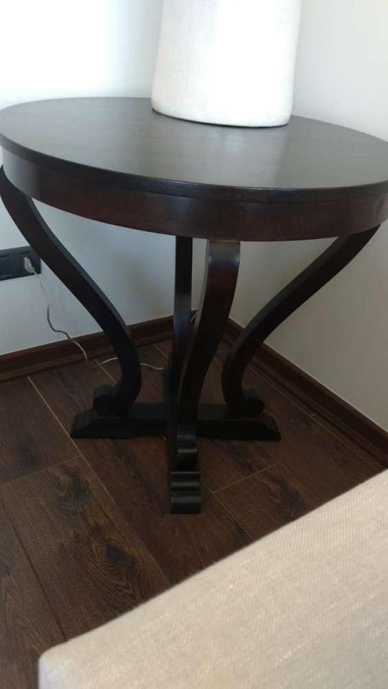 Mesa lateral de madera
