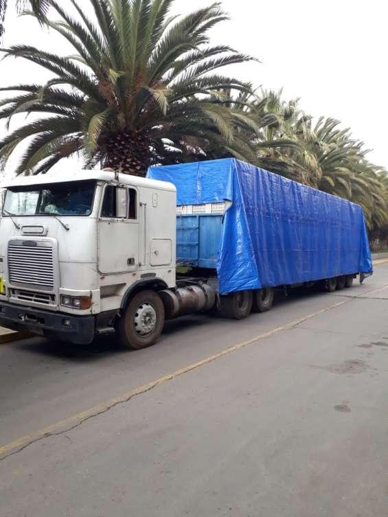Tracto camión freightliner a toda prueba vendo $ 13,5 millones
