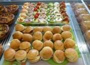Banqueteria fiesta canapes minipizzas empanaditas…