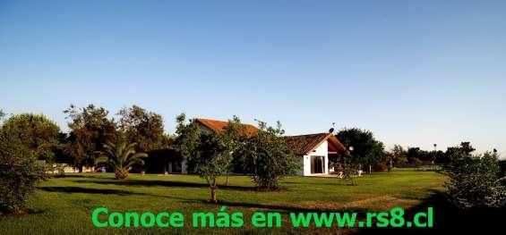 Tu parque privado, tiene una casa de 450 m2, 7 dormitorios, 6 baños  conoce más en www.rs8.cl