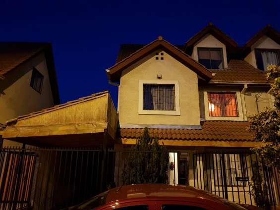 Se vende amplia casa 4d, 4b y 3 pisos, condominio