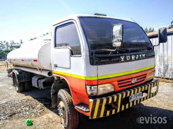 Oportunidad vendo camión aljibe diesel