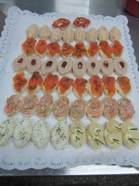 Brocheta canapes cebiches empanaditas tapaditos eventos fiestas