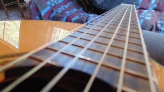 Fabrico pistas de canciones con algunos intrumentos reales ( guitarra, bajo) y teclado, pronta entrega!!!