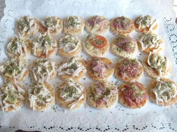 Cebiche canapes brochetas empanaditas minichurrascos minipizzas celebraciones