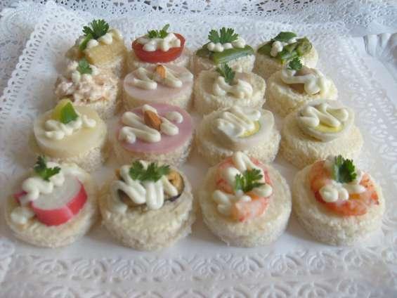 Brochetas de carne empanaditas petitbouche pastelitos minichurrascos minipizza