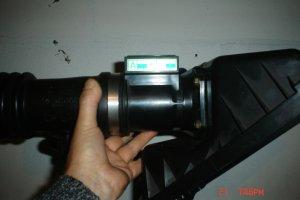 Flujometro subaru legacy 2. 0 completo con porta filtro de aire.
