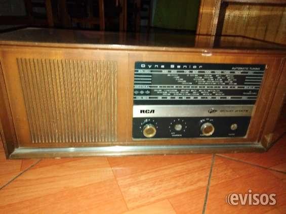 Radio antigua de los años 70