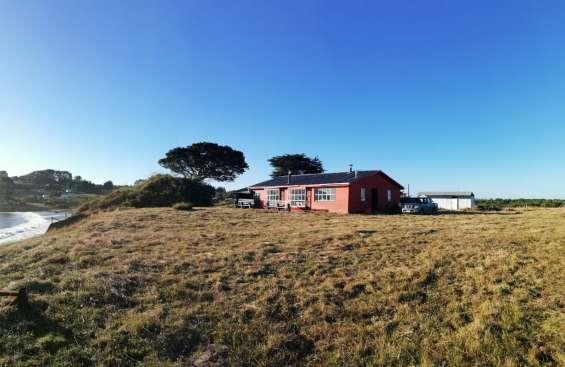Casa amoblada 200 m2 playa quenuir en terreno de 5.000 m2