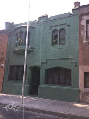 Exclusiva casa patrimonial barrio yungay, metro república