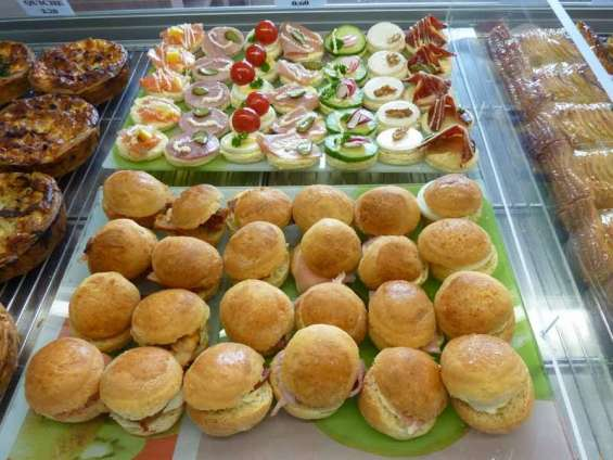 Servicio coocktail santiago pastelitos brochetas empanaditas canapes sushi