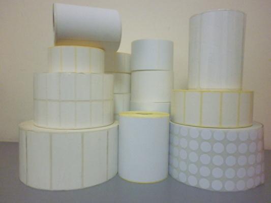 Etiquetas adhesivas en rollo blancas, para codigos de barra