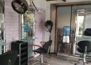 Busco.estilista para peluqueria