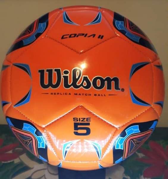 Balones de fútbol wilson (2 tipos)