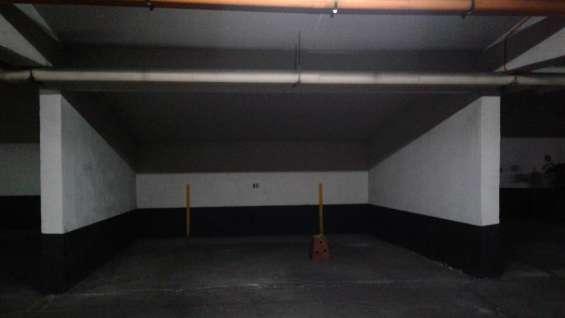 Arriendo estacionamiento subterráneo pasos metro ñuñoa
