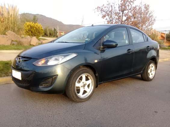 Mazda 2 2012 sedan full automatico 63.000 kms dueña