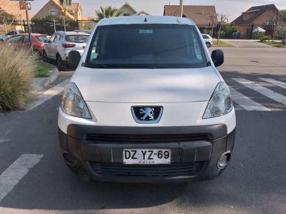 Vendo furgon peugeot partner 2012 unico dueño