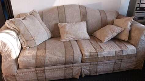 Hermoso sofá grande