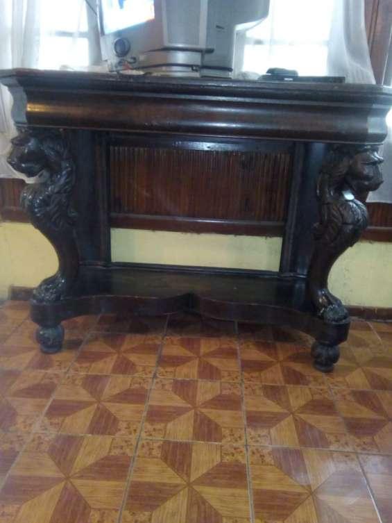 Vendo mueble de fines del 1800