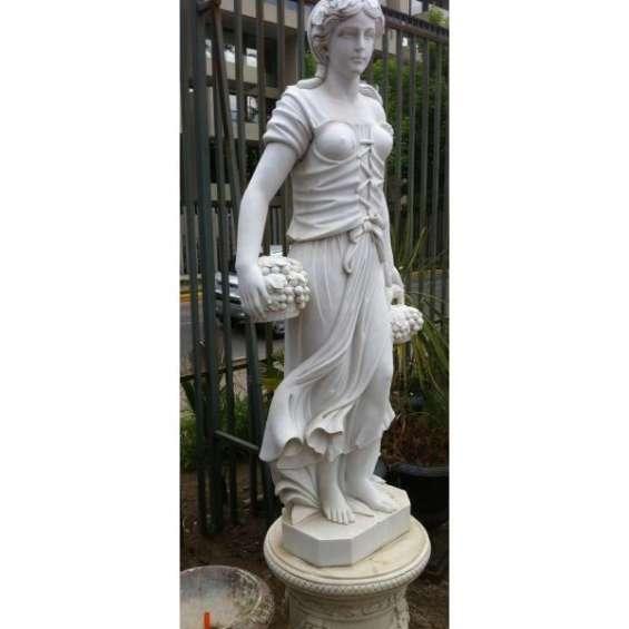 Impresionante escultura mármnol ( 180 cms)
