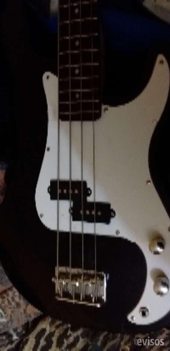 Se vende guitarra + bajo
