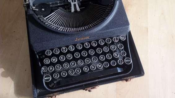 Vendo maquina de escribir del año 1956