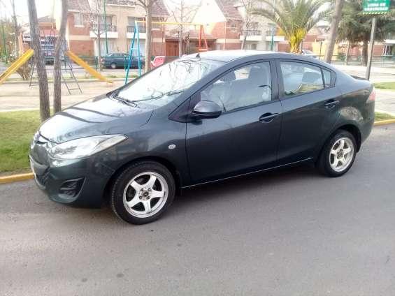 Mazda 2 2012 sedan full automatico 64.000 kms dueña