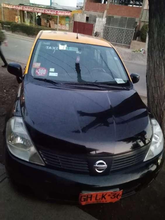 Vendo taxi con derechos 2014 nissan tiida a gas