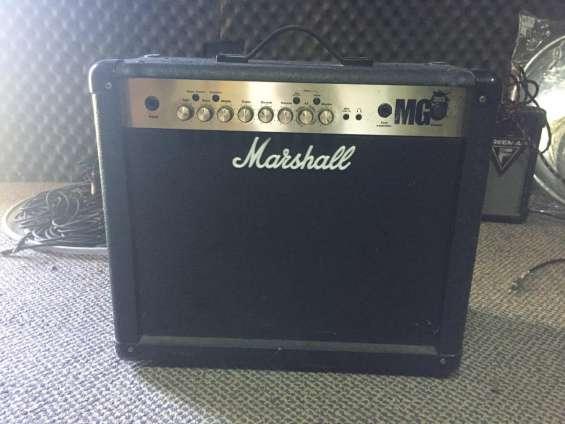 Amplificador marshall mg fx 30: en perfecto estado, poco uso.