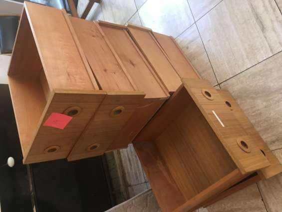 Cajones de madera c/u $7.000.-
