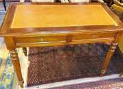 Antiguo fino escritorio francés