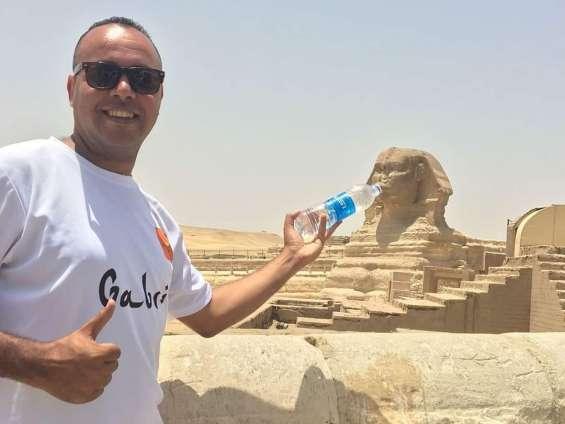 Soy ahmed mahmoud elgabri, ceo&founder de www.fos7etak.com, guía turístico bilingüe español/inglés, te invito a viajar y conocer mi país egipto. ven con gabri!!