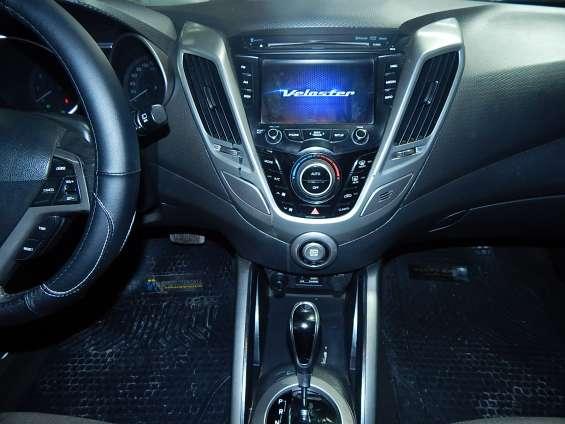 Fotos de Hyundai veloster gls 1.6 aut 2013 9