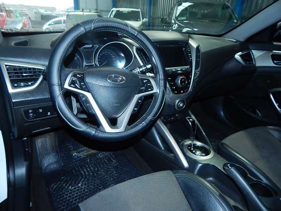 Fotos de Hyundai veloster gls 1.6 aut 2013 8